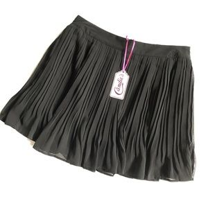 Candie's Black Pleated Skirt NWT Size M   B2